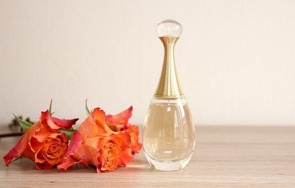 Dior J'Adore Eau De Parfum mùi nước hoa ngọt nữ tính